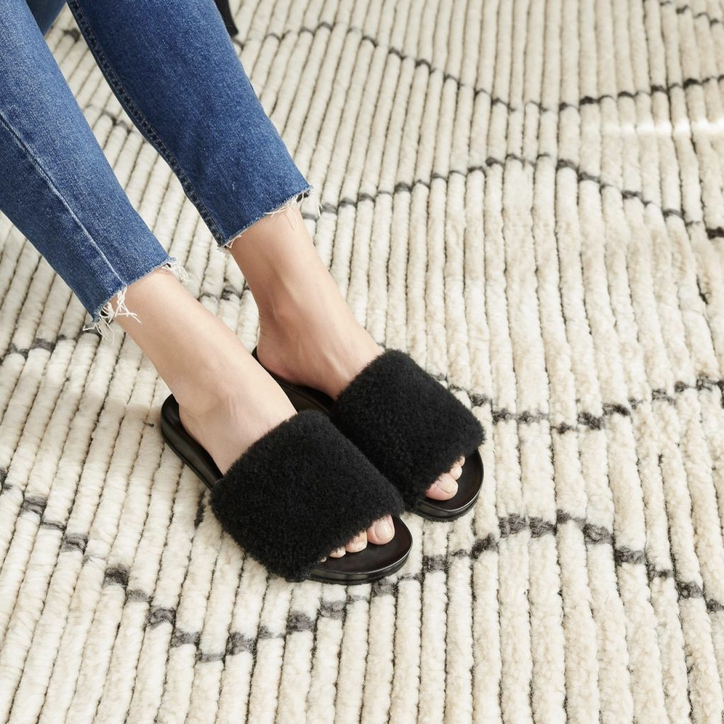 Jenni Kayne black shearling slides