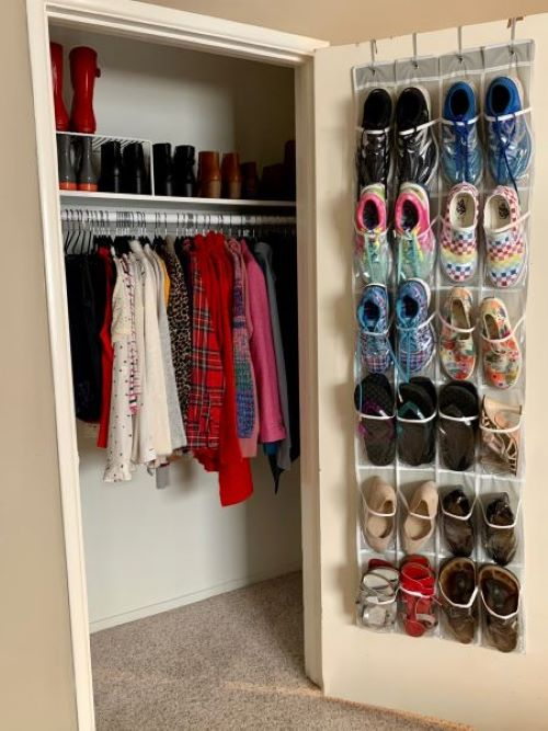 an organized closet after the Real Life Style E-Course